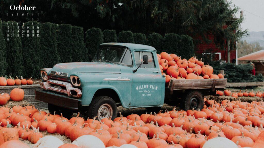 Pumpkin truck October calendar wallpaper 2021