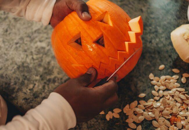 How do you carve a pumpkin
