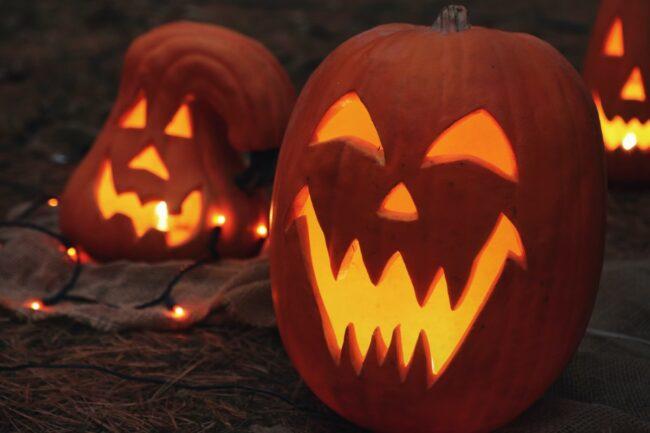 How do you make a pumpkin face